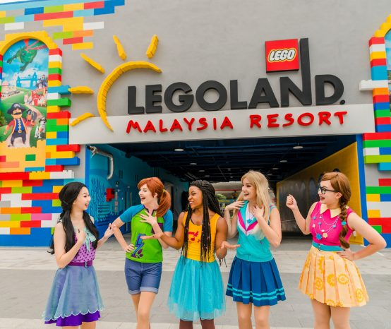 Berhibur bersama Lego Friends Live Show di Legoland Malaysia