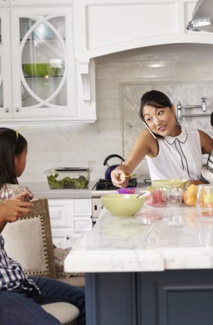 10 tips penjagaan diri untuk kesihatan mental ibu